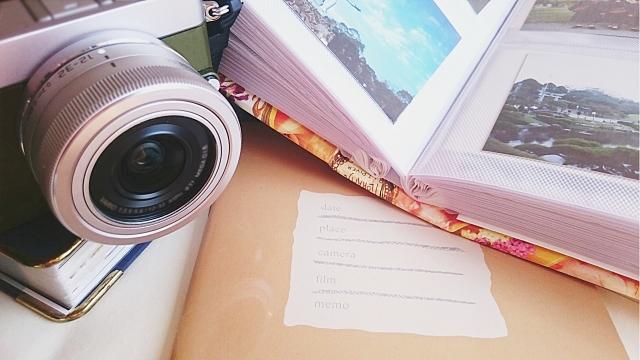 アルバムとカメラ